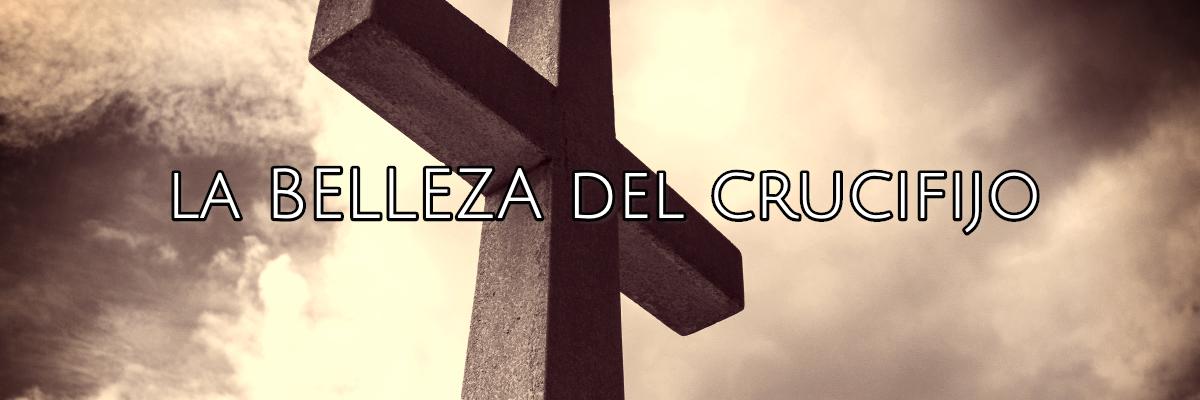 la belleza de una cruz colgante
